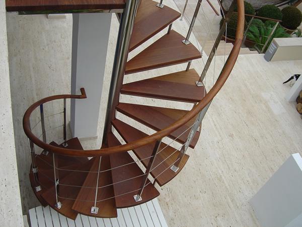 Escaleras de hierro related keywords escaleras de hierro - Escaleras de cemento para interiores ...